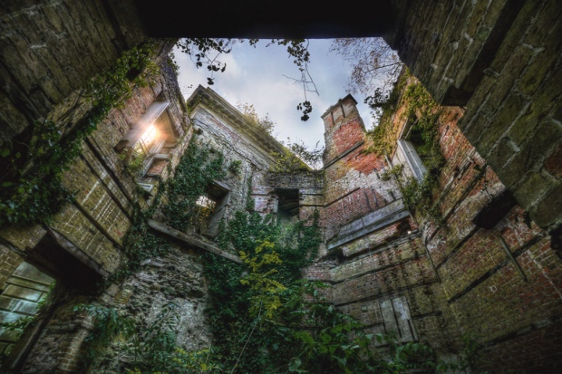 Blog_AbandonedMansion