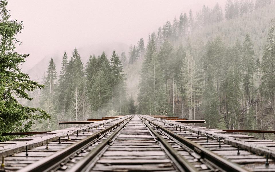 blog_traintracksinsnow